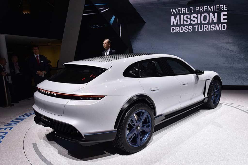续航500km 保时捷Mission E Cross Turismo投产