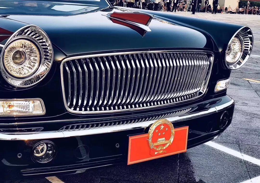 红旗检阅车 让中国智造行在中国走向世界