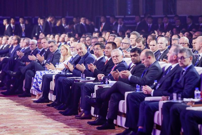与60余家零部件企业签约 恒大召开合作伙伴峰会