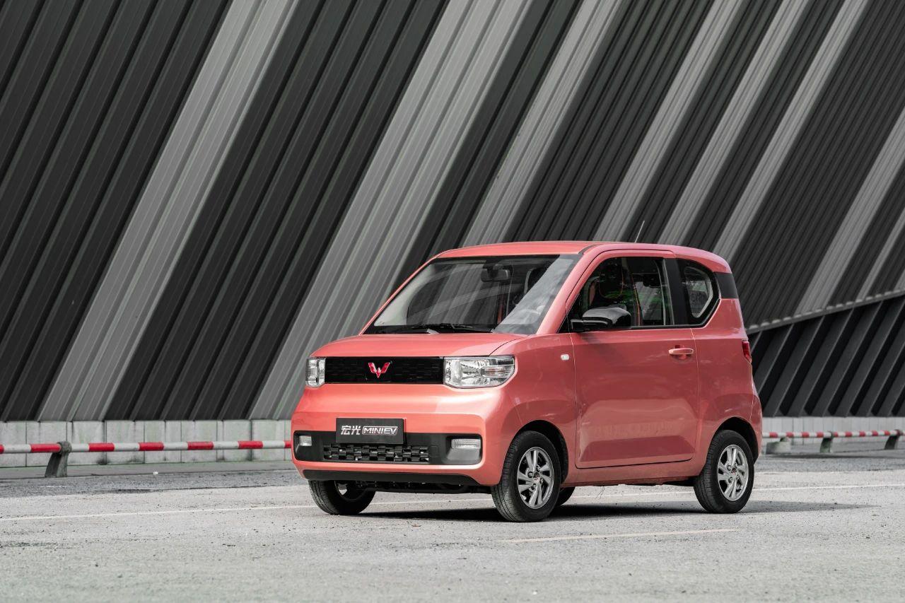 跑赢大市的新能源汽车/重返巅峰的比亚迪 8月新能源汽车销量浅析